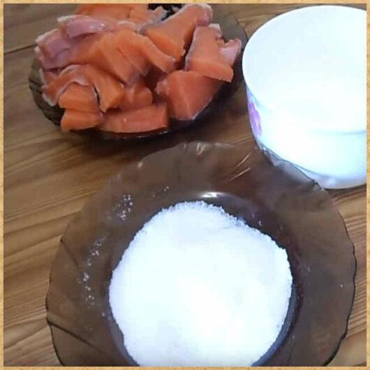 соль в тарелке и рыба_фото для статьи